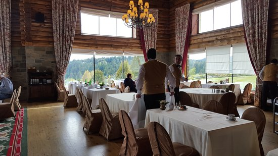 Llao Llao Hotel and Resort Golf Spa: beautiful views from dinning room