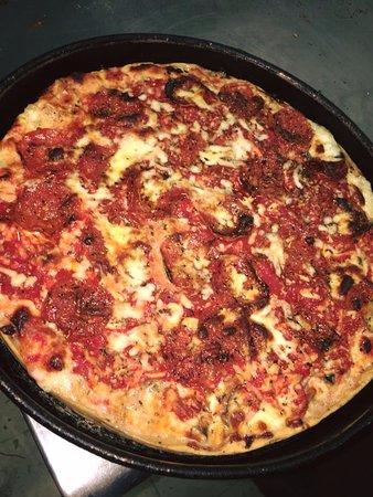 Mr. Gilberti's Place: Mr Gilbertis Pizza
