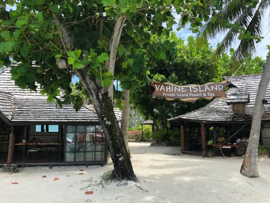 Vahine Island Photo