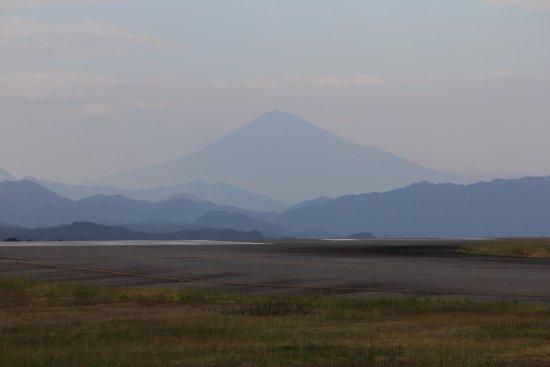 Makinohara, Japan: うっすら富士山