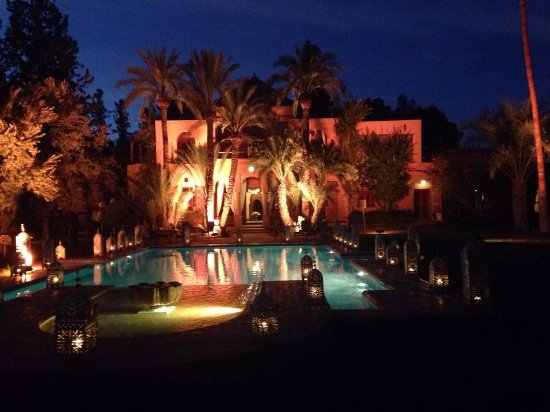 Dar Ayniwen Villa Hotel: Looking back at the main building from the wedding tent