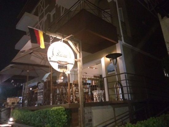 Santo Bistrô e Café: fachada