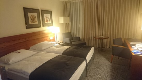 Maritim Hotel Munchen : вариант номера (соседнего)