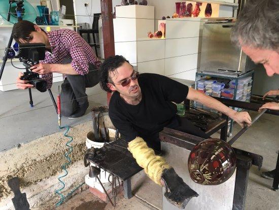 Healesville, Avustralya: Making a vase