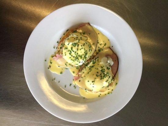 Natick, MA: eggs benedict