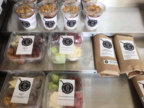 Натик, Массачусетс: prepared food offerings