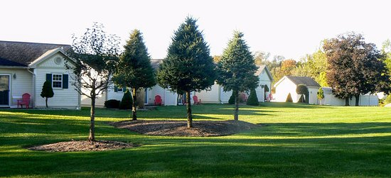 Skaneateles Suites: Great wide expanse of grassy play areas...