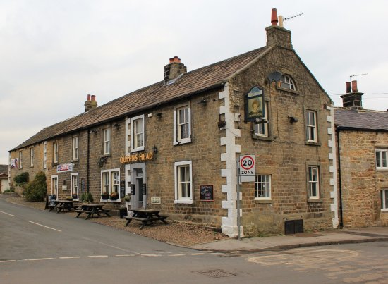 Kirkby Malzeard, UK: In the Heart of yorkshire ,you will find the Queens Head,Good food,Great Ale, and Nice People...
