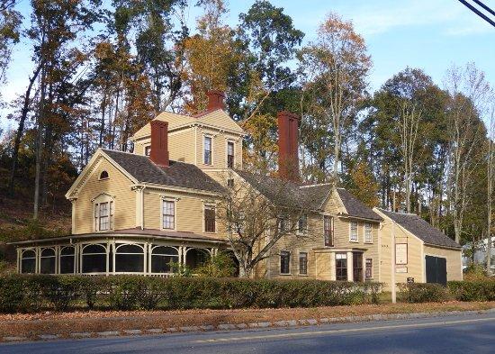 Concord, MA: The edifice of The Wayside.