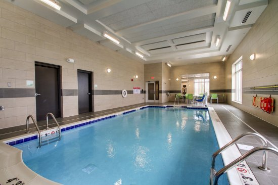 Peoria, IL: Indoor Saline Swimming Pool with seating area and a beautiful view