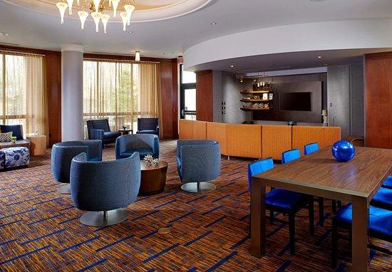Гринсбург, Пенсильвания: Lobby - Seating Area