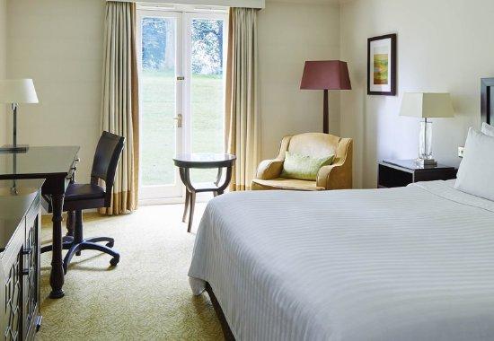 Worsley, UK: Deluxe King Guest Room
