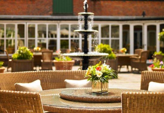 Worsley, UK: Courtyard