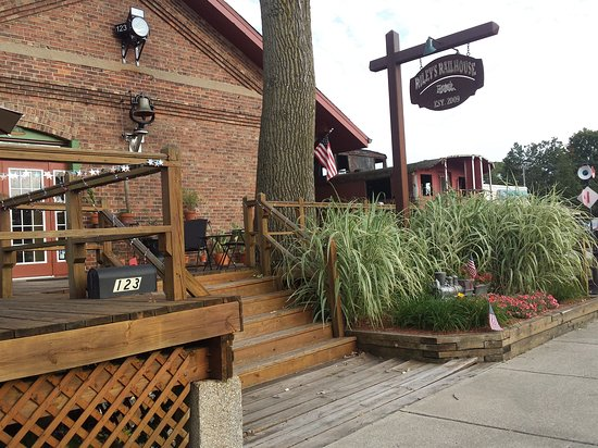 Chesterton, IN: Great place to watch the trains go by!