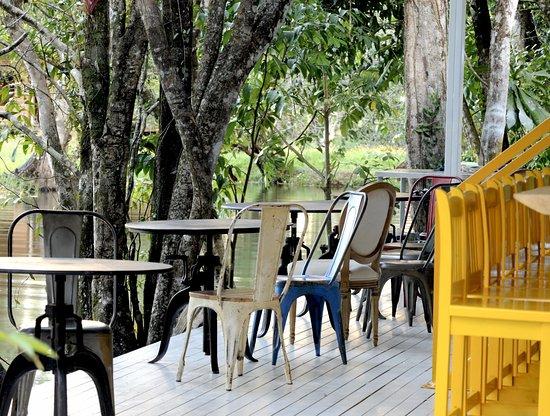 Dreamcatcher Eco Lodge: Restaurant - Lounge Area