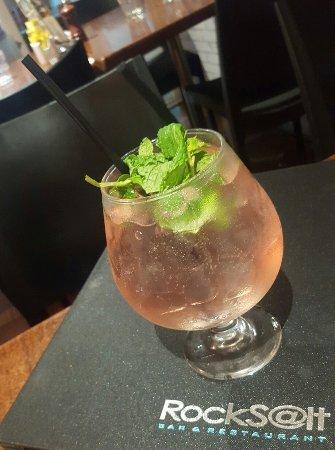 Rocksalt Bar & Restaurant: Cranberry & mint soda