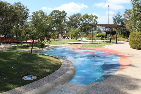 Mildura Water Play Park on the riverfront