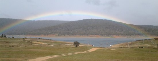 Adaminaby, ออสเตรเลีย: Even on a drizzley morning there is nature's beauty to be seen