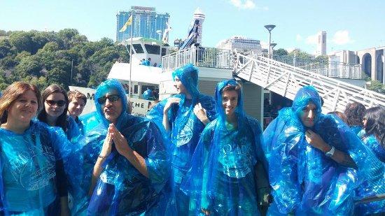 Stone Ridge, NY: Niagara Falls boat tour; Maid of the Mist