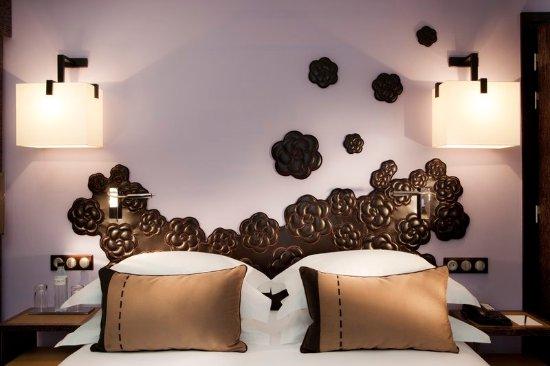 Hotel Les Jardins de la Villa: Guest's room  details