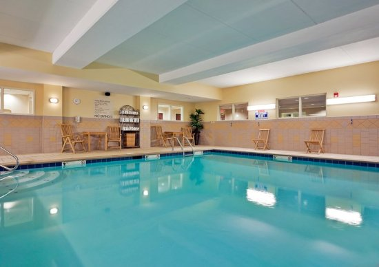 Harriman, TN: Our Indoor Pool is a great place to meet and relax.