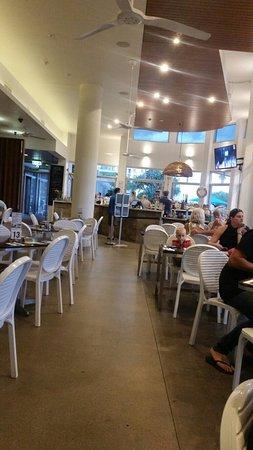 Marcoola, ออสเตรเลีย: Surfair Beach Hotel