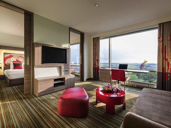 Hotel Novotel Taipei Taoyuan International Airport: Guest Room