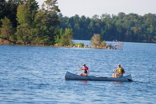 Deerwood, MN: Canoe Couple