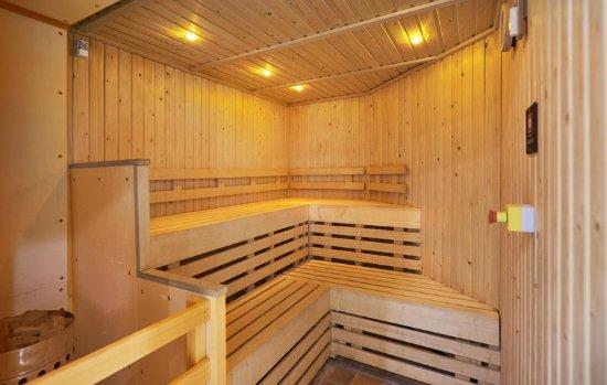 Indoor Pool View Obr Zek Za Zen Doubletree By Hilton Aberdeen Treetops Aberdeen Tripadvisor