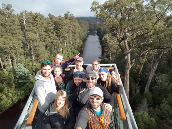Geeveston, Australien: Standing on the cantilever bridge overlooking the Huon River