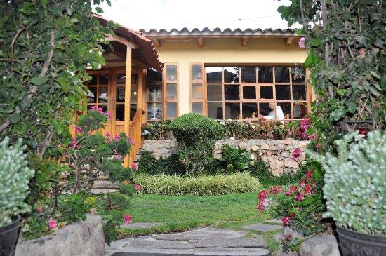 Hotel Samanapaq: Hôtel Smanapacq : le patio et la salle à manger