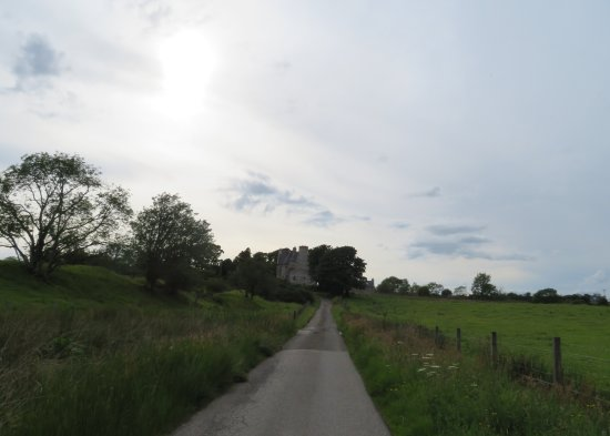 Barcaldine Castle: Access