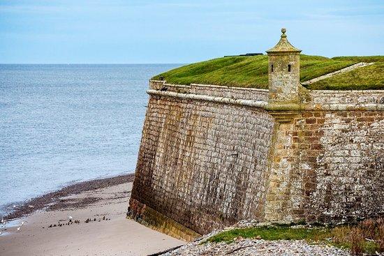 Fort George: Defence
