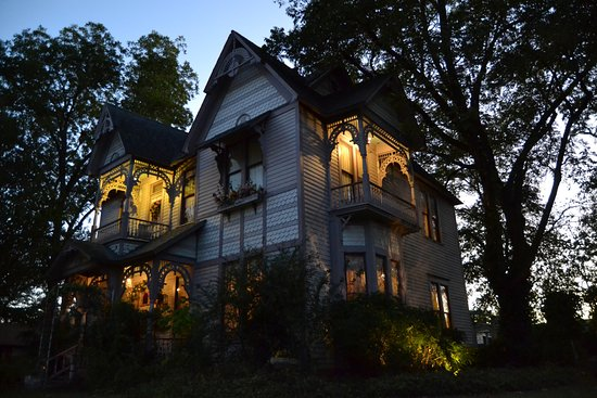 Carleton House Bed & Breakfast: 1888 Eastlake Victorian on the National Register of Historic Places