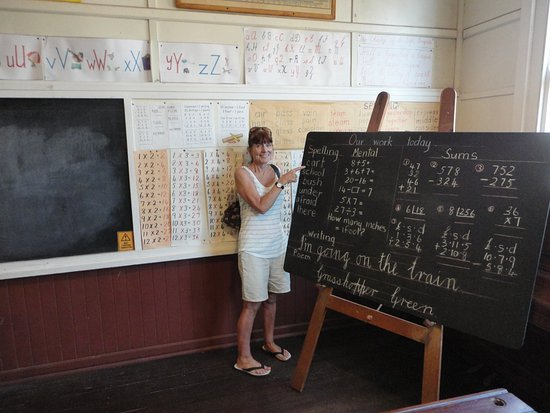 Kalamunda, Australia: Renewing her teaching career