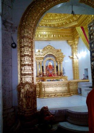 Rajnandgaon, Indie: Choti Bambleshwari devi temple