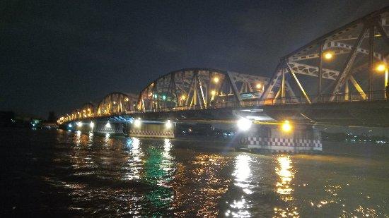 Suphan Buri, Tailandia: IMG_20171112_181852_large.jpg