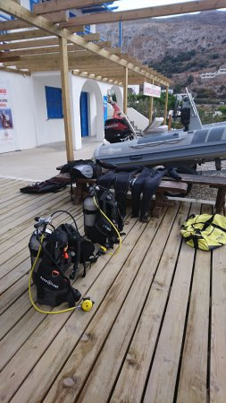 Aegiali, Hellas: The Divecenter, during our last visit in november, an off season visit. Ecellent service as alwa