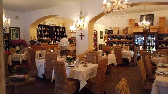 La Marina Restaurant : Внутри