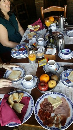 """Cortijo de Tajar Hotel: Los desayunos en el hotel """"Cortijo de Tájar"""""""