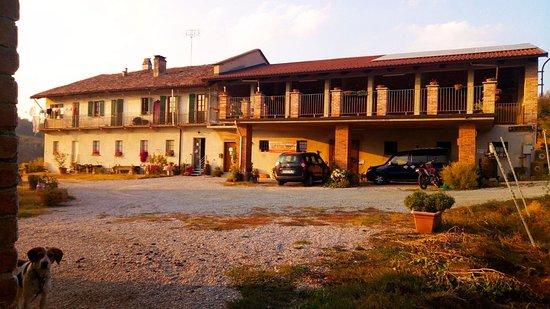 Narzole, Włochy: La cascina Tenuta del Barone