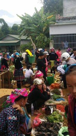 Lai Chau, Vietnam: Great local market