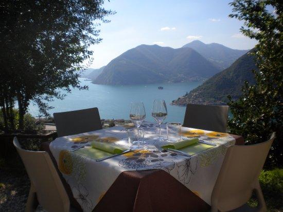 Una terrazza sul lago d\'Iseo - Picture of Agriturismo A Clusino ...