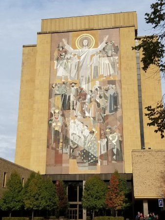 University of Notre Dame: Touchdown Jesus, across from the reflecting pool and clearlyvisible form Notre Dame Stadium