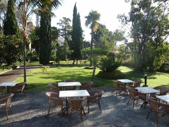 Quinta Jardins do Lago: courtyard for breakfast