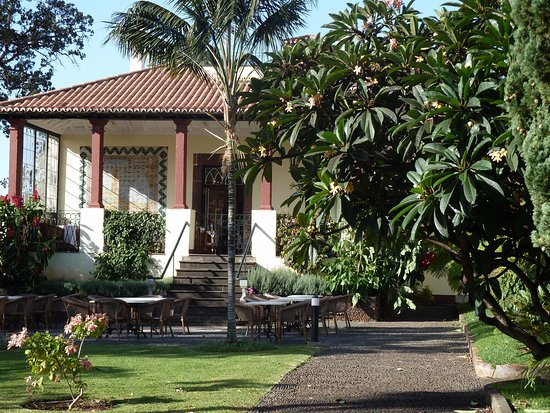 Quinta Jardins do Lago: verandah and courtyard