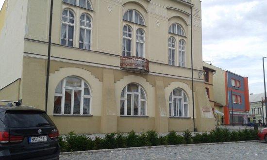 Kojetin, Tsjekkia: Náměstí v Kojetíně-dům, kde žil a tvořil Josef Mánes