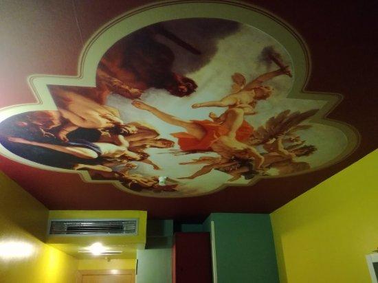 Revolutum Hostel: IMG_20171110_195149_large.jpg