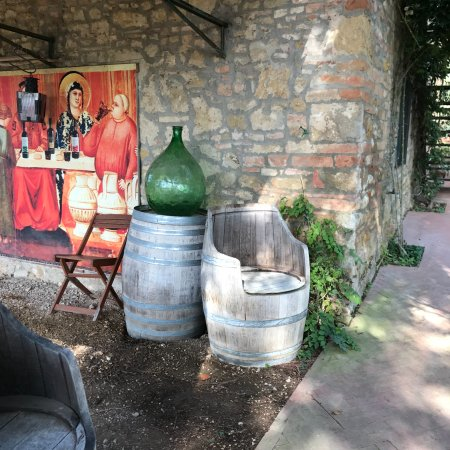 Papillon Service: Winery