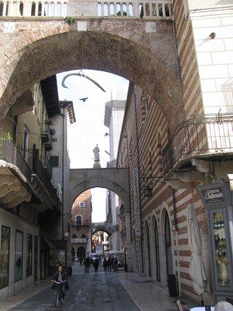 Arco della Costa Photo